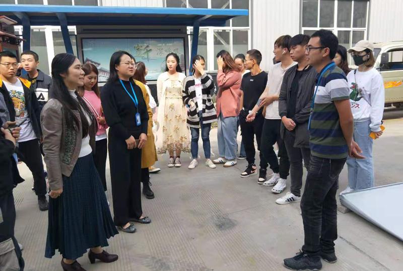 欢迎院校学生来我公司参观学习(图2)